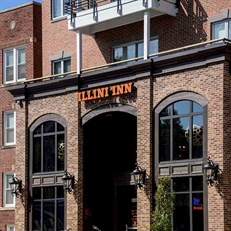 Bar-Restaurant: Illini Inn